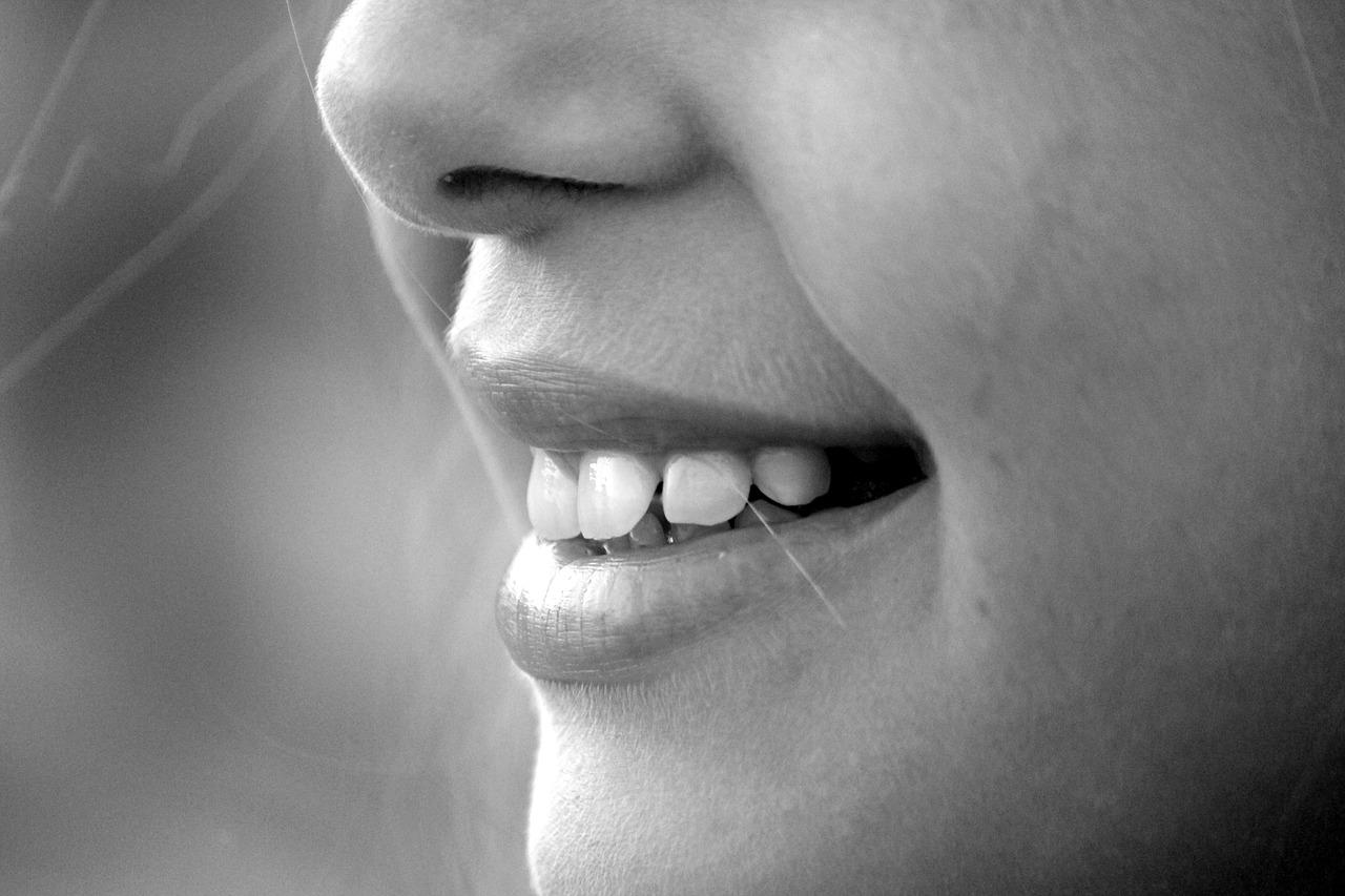 Licówki – sposób na piękne zęby